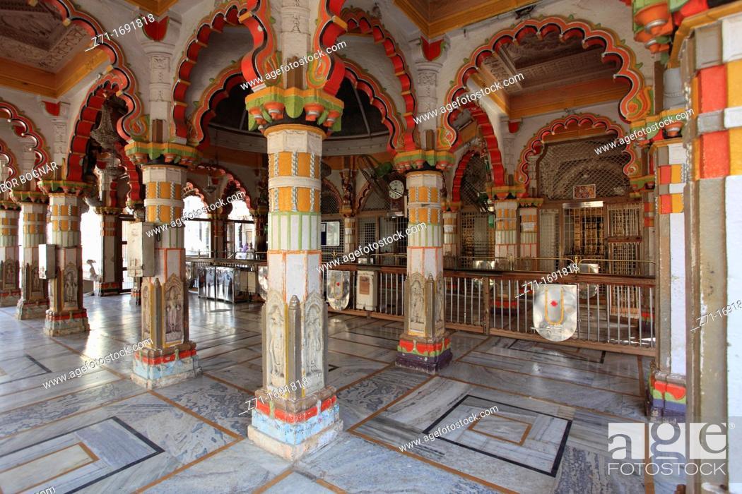 Stock Photo: India, Gujarat, Ahmedabad, Swaminarayan Hindu Temple,.