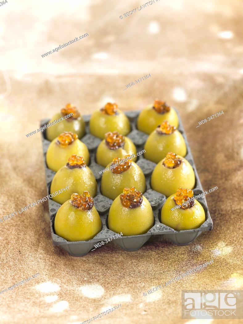 Stock Photo: las nuevas olivas / new olives.