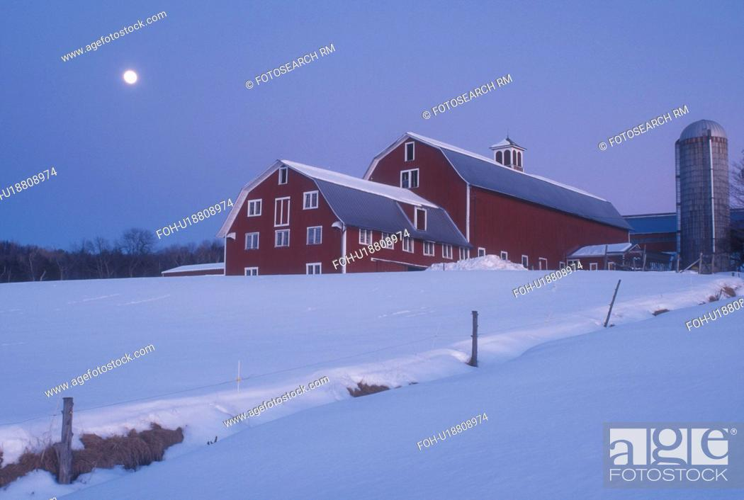 moon, barn, Vermont, VT, Moonrise in the evening over a red barn on
