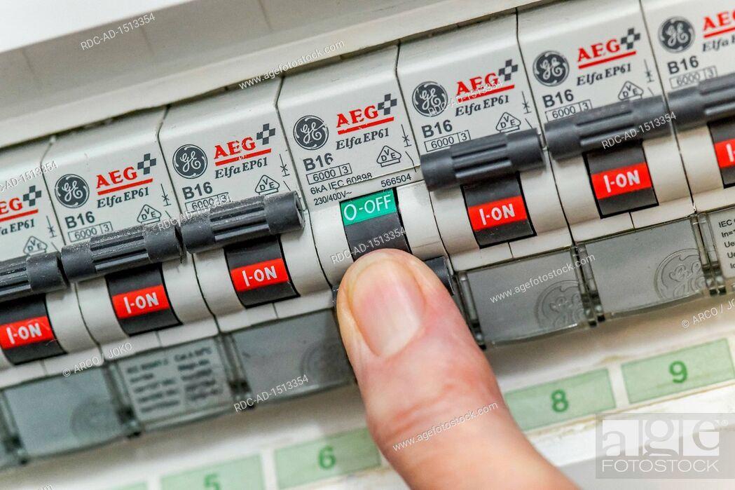 Stock Photo: fuse panelSicherungskasten, Leitungsschutzschalter, Sicherungen.