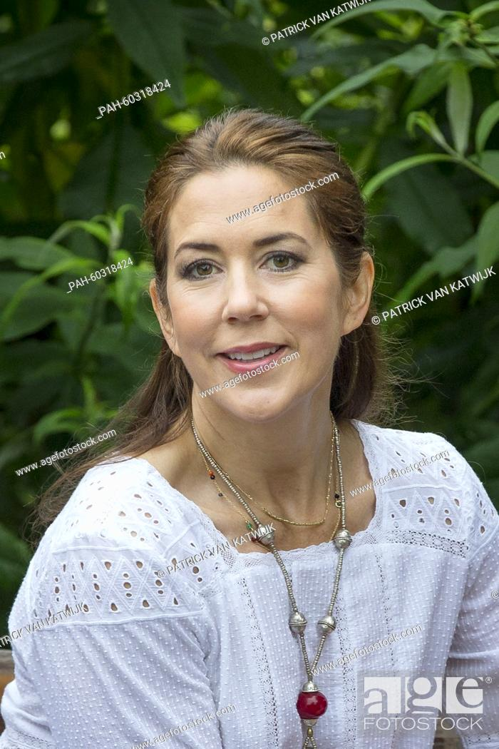 Stock Photo: Danish Crown Princess Mary during a photo session during their summer holidays at Grasten Slot, Denmark, 25 July 2015. Photo: Patrick van Katwijk / NETHERLANDS.