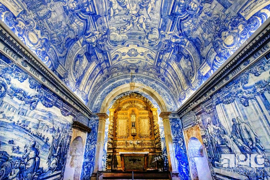 Imagen: Blue Azulejos in Sao Filipe castle Chapel, Setubal, Lisbon Coast, Portugal.