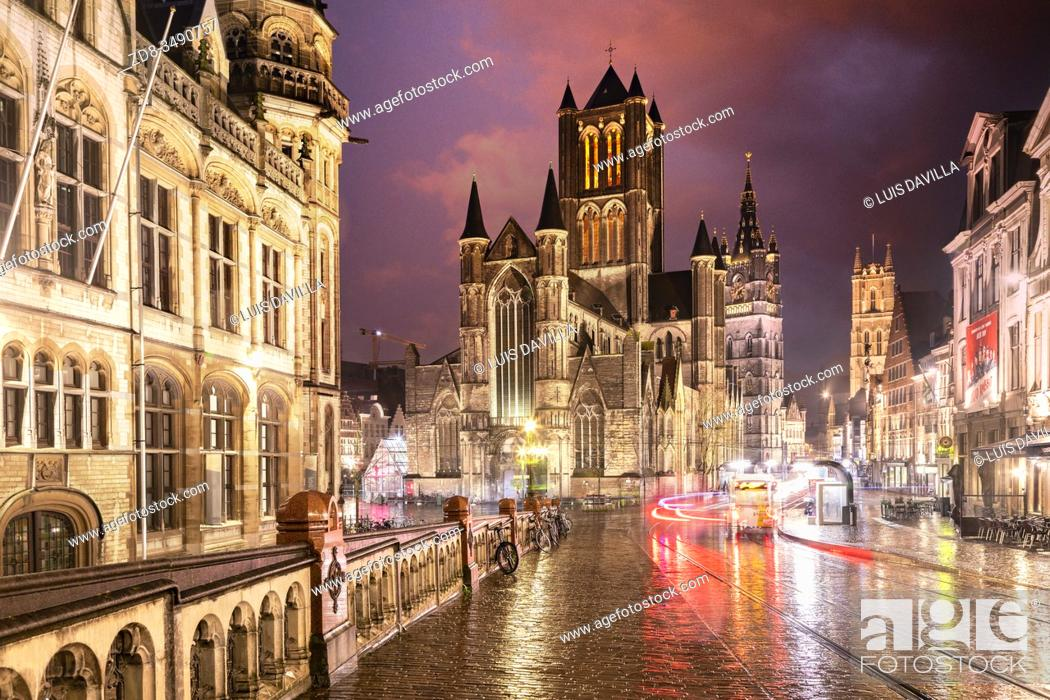 Imagen: from the St. Michael's bridge. St. Nichola's cathedral, the belfort tower bell . Ghent. Belgium.