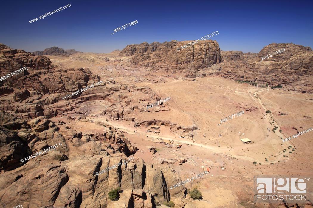 Imagen: Elevated view of Petra, Jordan.