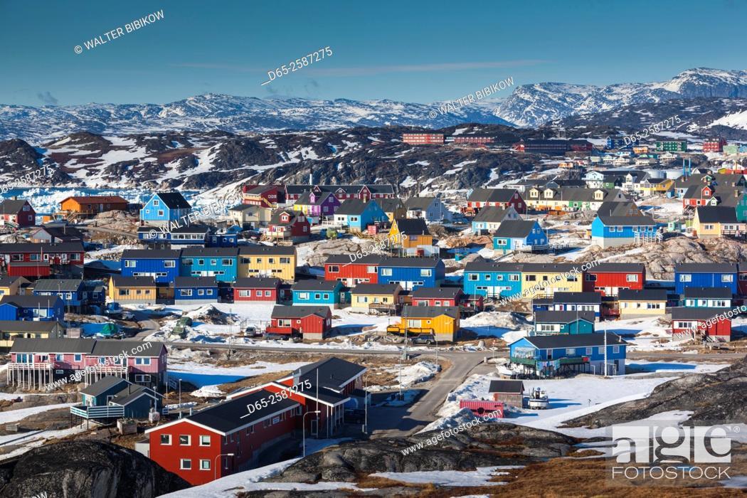 Stock Photo: Greenland, Disko Bay, Ilulissat, elevated town view.