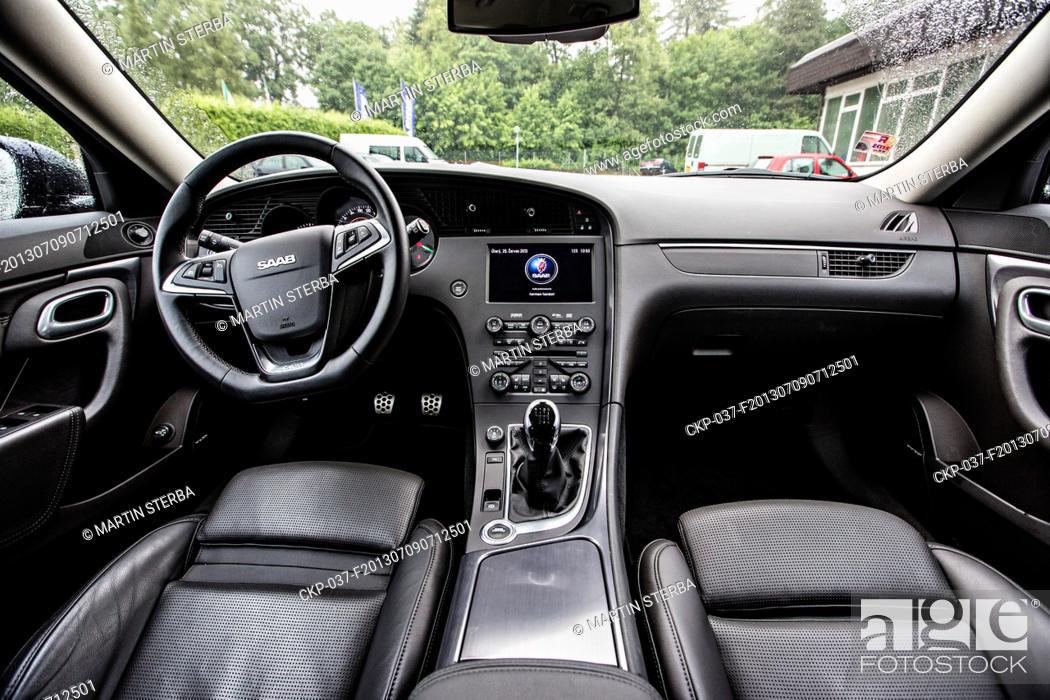 An Interior Of The Vehicle Saab Kombi 9 5 Aero SportCombi 20 TTiD