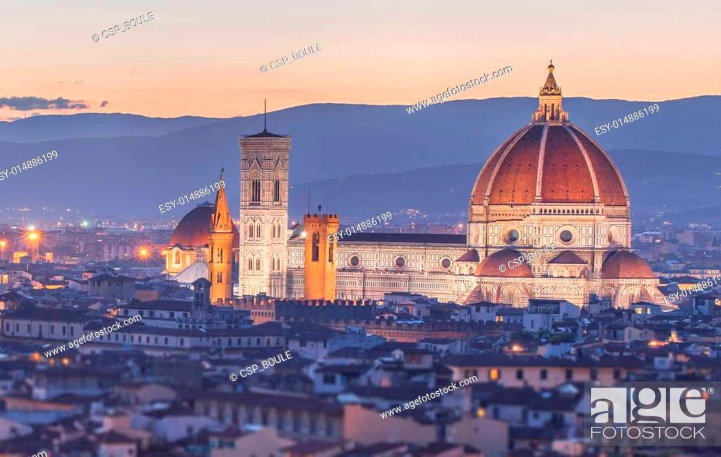 Stock Photo: Arno River and Ponte Vecchio at sunset, Florence.