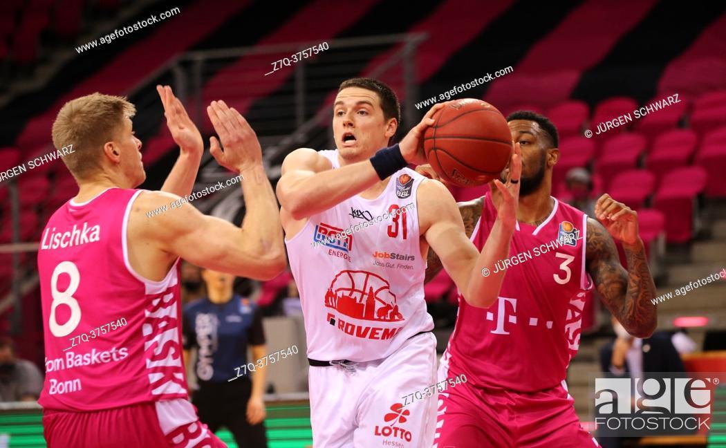 Imagen: Bonn, Germany, 23. 12. 2020, Telekom Dome, Basketball Bundesliga, Telekom Baskets Bonn vs Jobstairs Giessen 46ers: Benjamin Lischka (Bonn).