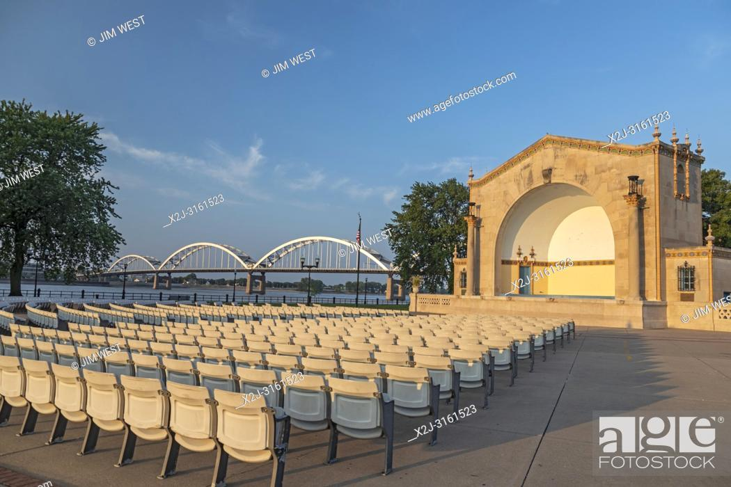 Stock Photo: Davenport, Iowa - The LeClaire Park bandshell, next to the Mississippi River. The Rock Island Centennial Bridge connects Davenport with Rock Island, Illinois.