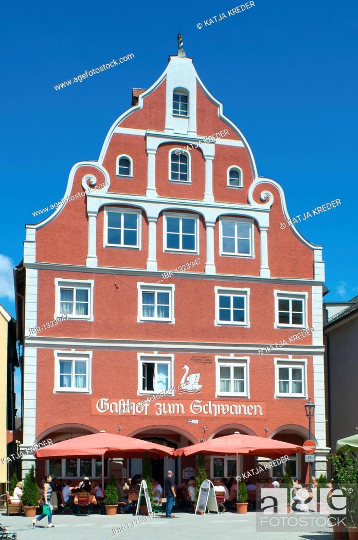 Imagen: Gasthof zum Schwanen, Swan Hotel, Memmingen, Allgaeu, Bavaria, Germany, Europe.