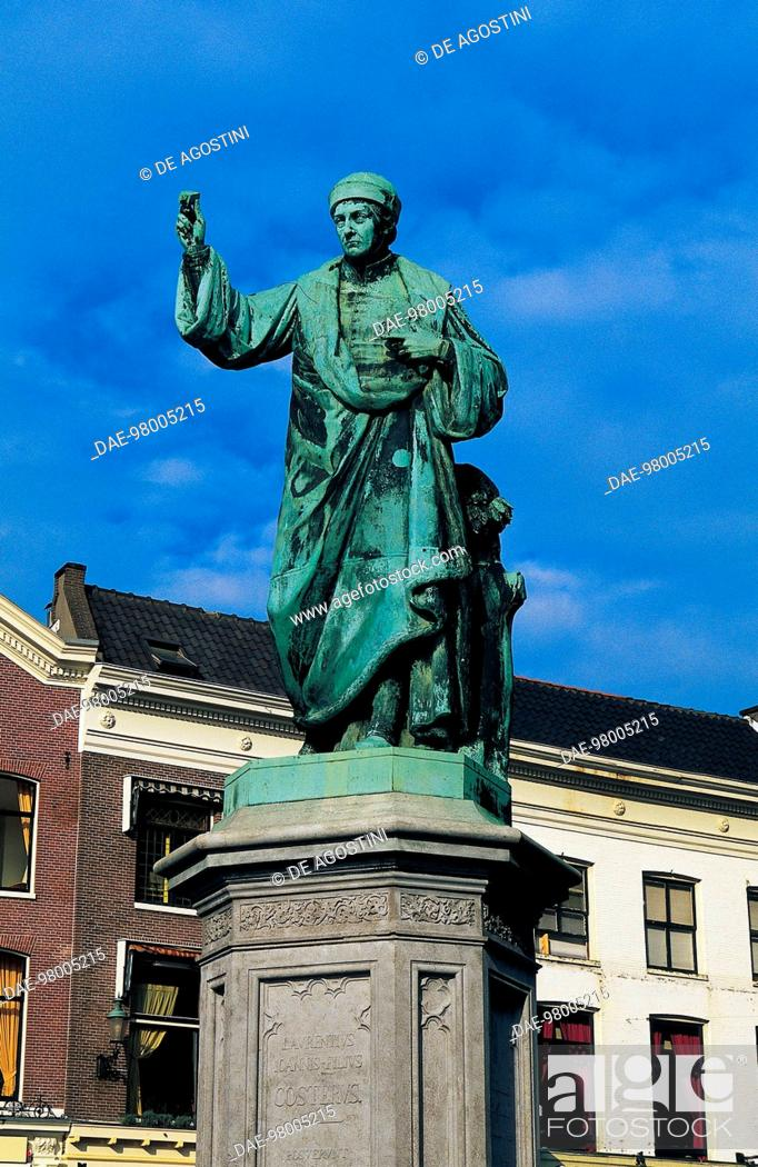 Stock Photo: Statue of Laurens Janszoon Coster on the Grote Markt, Haarlem, The Netherlands.