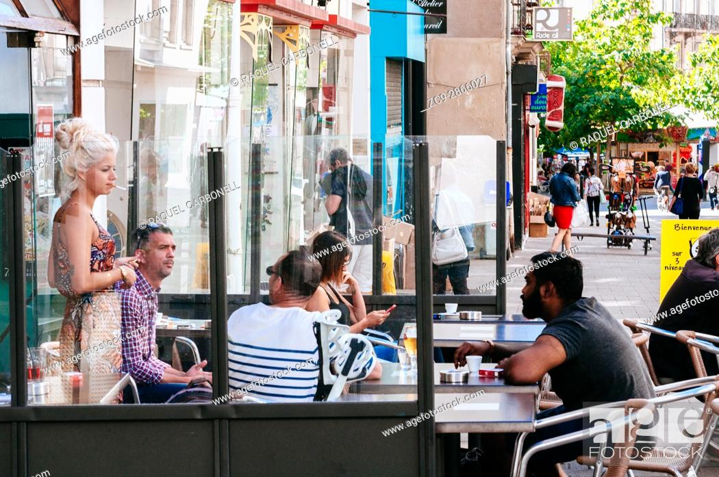 People Sitting And Talking At Cafe Terrace Nantes Brittany France Stock Photo Picture And Rights Managed Image Pic Zc9 2866027 Agefotostock