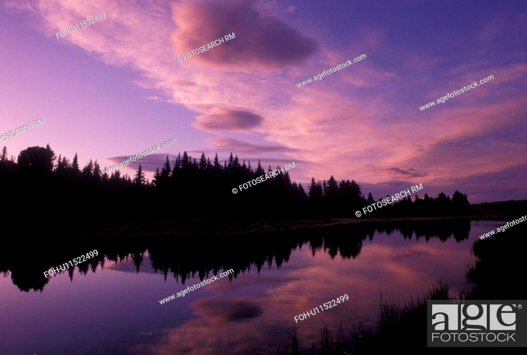 Stock Photo: Grand Teton National Park, Snake River, Jackson Hole, WY, Wyoming, Scenic view of the clouds and trees reflecting in the calm waters of the Snake River at.
