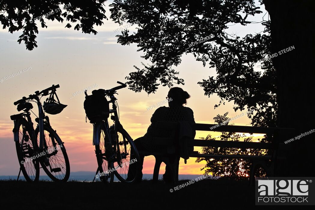 Imagen: Bikes at sunset, Lake Constace, Bavaria, Germany.