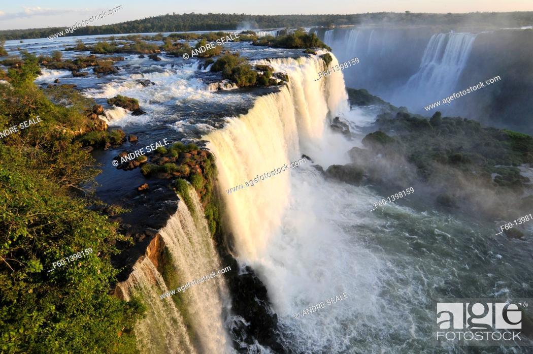 Stock Photo: Iguassu Falls, Foz do Iguaçu, Parana, Brazil.