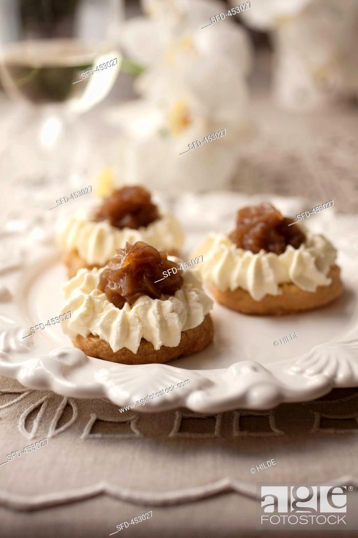 Stock Photo: Montblanc tartlets with chestnut cream.
