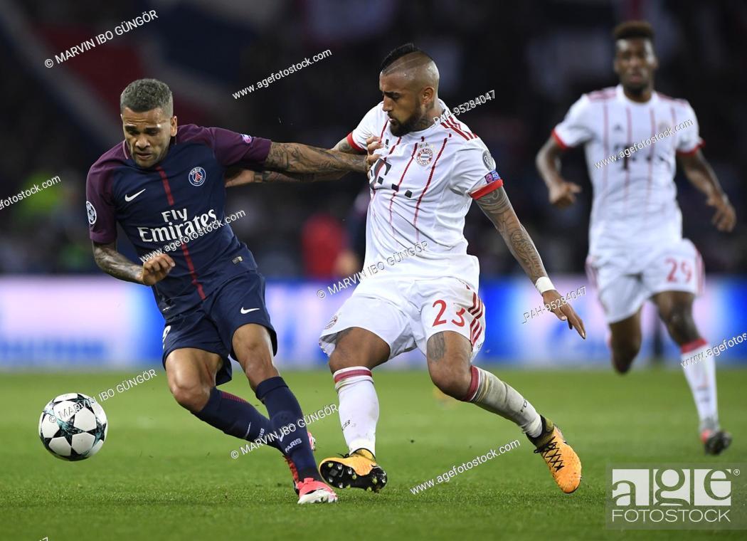 Dani Alves Paris Saint Germain Versus Arturo Vidal Fcb
