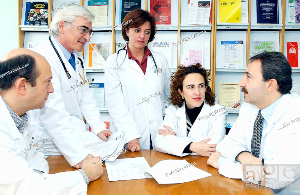 Stock Photo: Medical staff meeting in hospital.