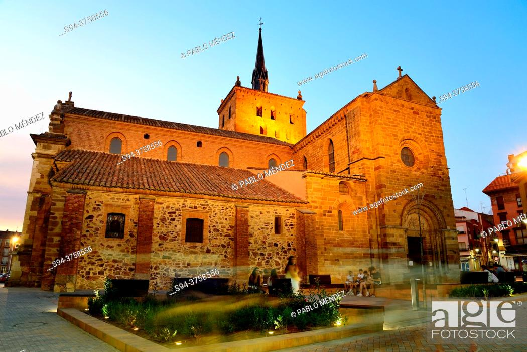Stock Photo: Church of Santa Maria del Azogue, Benavente, Zamora, Spain.