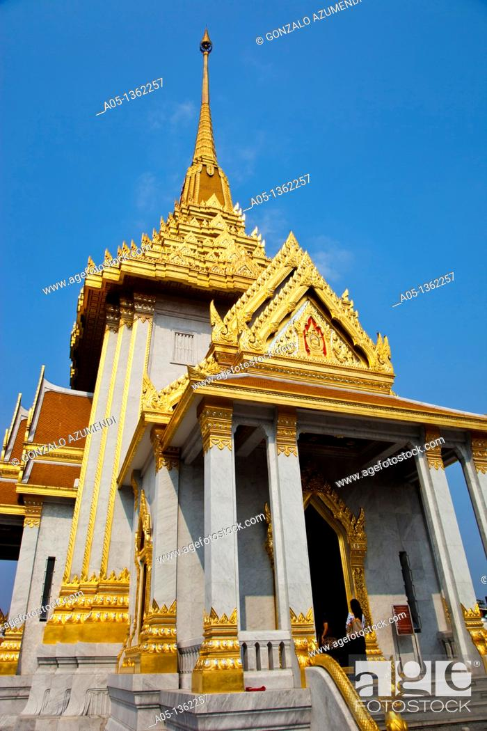 Stock Photo: Wat Traimit Golden Budha Temple Bangkok Thailand.