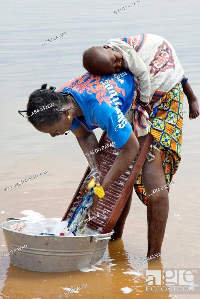 Stock Photo: Niger River, Niandankoro, Republic of Guinea.
