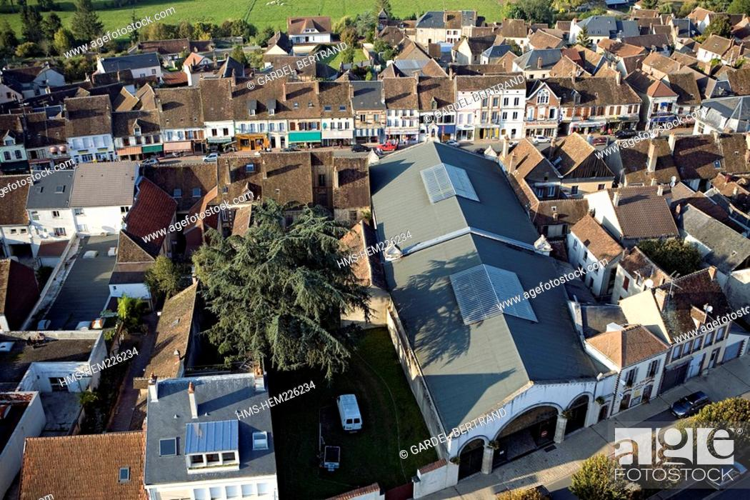 Stock Photo: France, Yonne, Courtenay aerial view.