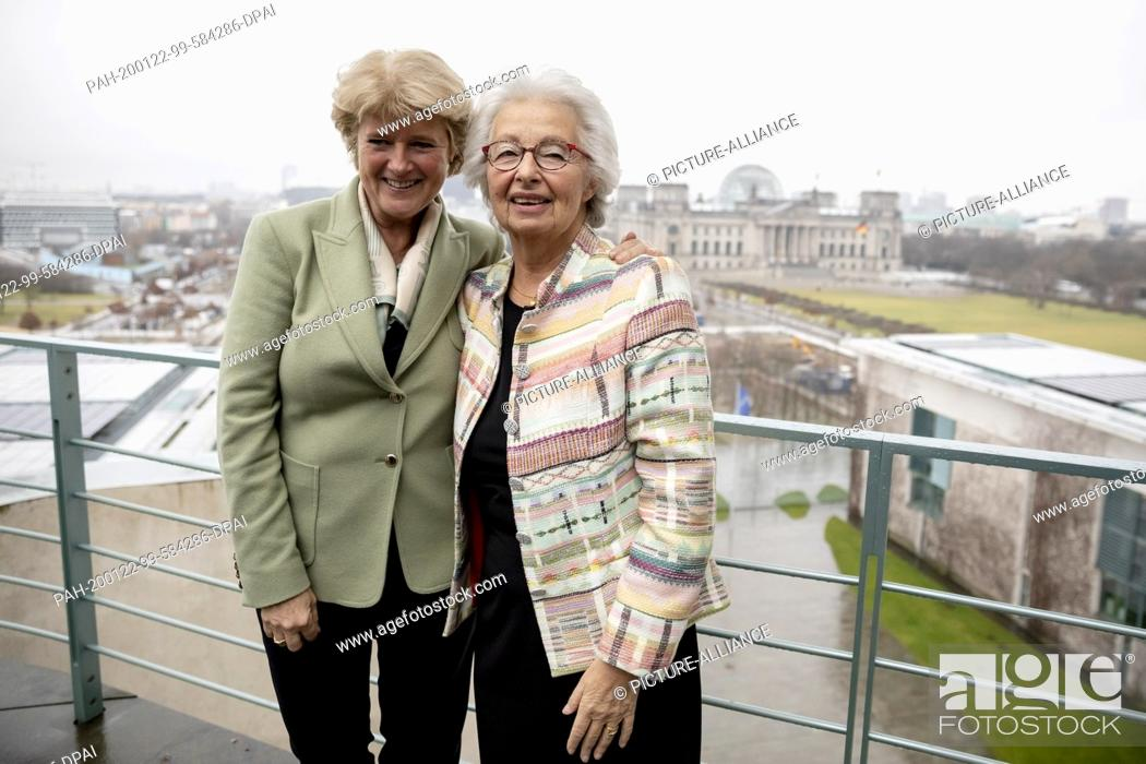 Stock Photo: 22 January 2020, Berlin: Monika Grütters (CDU, l), Minister of State for Culture, and Francine Kahn, grandniece of the art collector Armand Dorville.