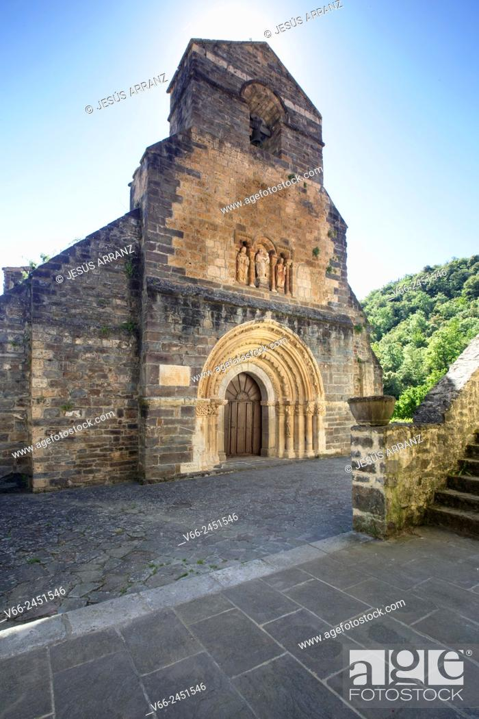 Imagen: Iglesia de Santa María (11th century), Piasca, Valle de Liébana, Cantabria, Spain.