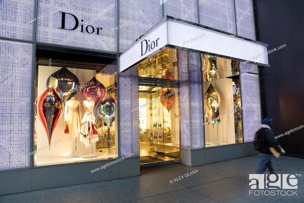 Imagen: The french fashion design house has been a stalwart staple of tourist and locals in New York City at 17 E 57th.