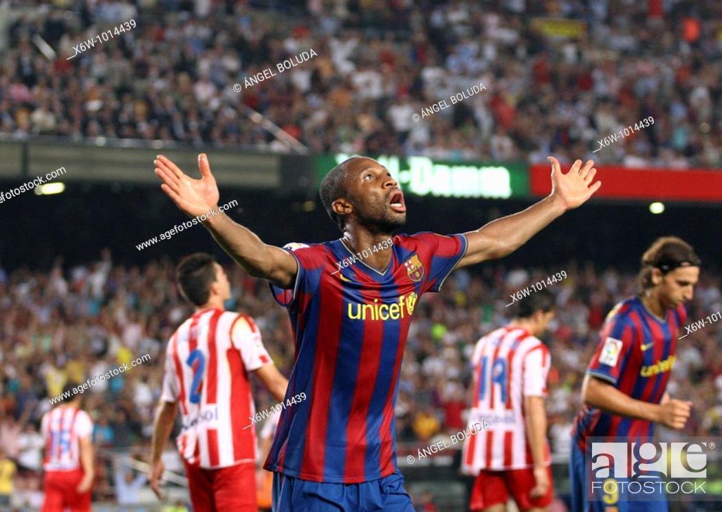 Stock Photo: Barcelona, Camp Nou Stadium, 31/08/2009, Spanish League, FC Barcelona vs. Sporting de Gijón, Seydou Keita celebrates a goal.