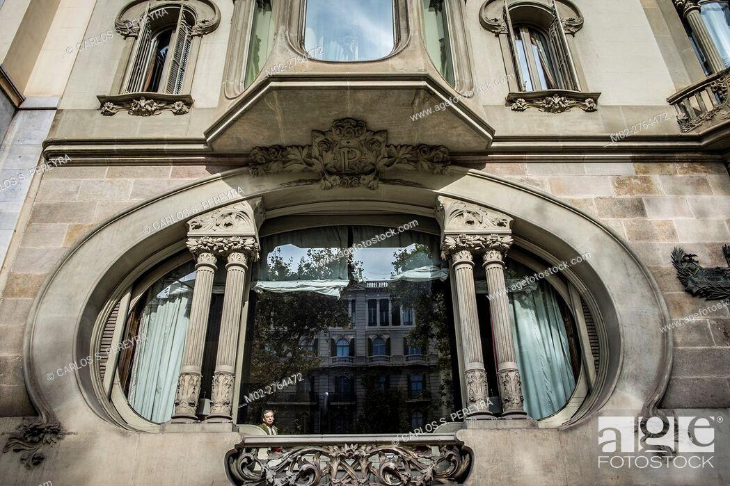 Imagen: Casa Perez Samanillo by Joan Josep Hervas architect in Diagona Avenue in Barcelona Catalonia Spain.