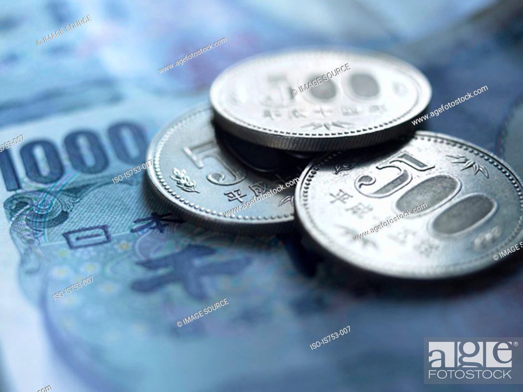 Stock Photo: Yen coins and banknotes.