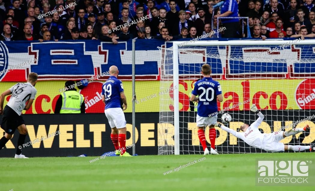 22 September 2018 Schleswig Holstein Kiel Soccer 2nd Bundesliga Stock Photo Picture And Rights Managed Image Pic Pah 180922 99 70604 Dpai Agefotostock