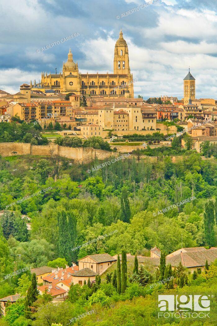 Imagen: Panoramic View, Segovia, UNESCO World Heritage Site, Castilla y León, Spain, Europe.