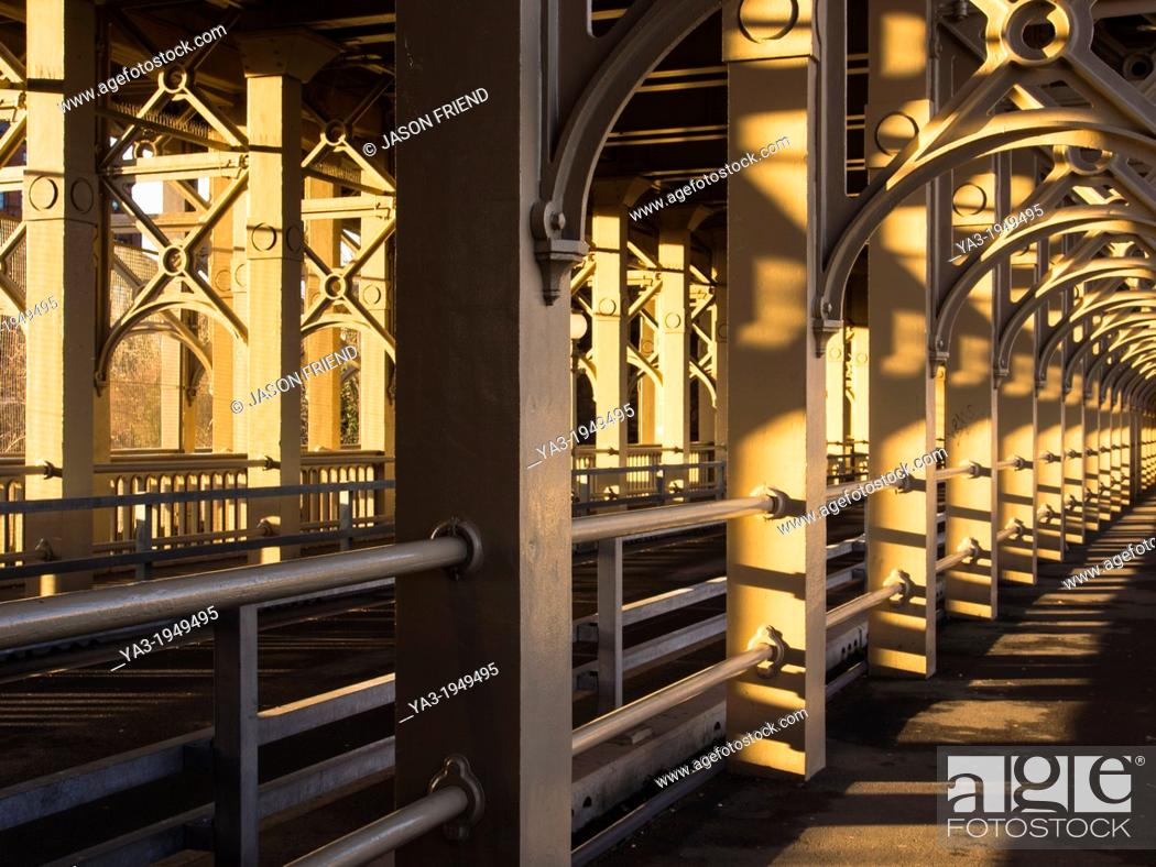 Stock Photo: England, Tyne and Wear, Newcastle Upon Tyne. The High Level Bridge, a wrought iron tied arch (bow-string girder) bridge which crosses the River Tyne.