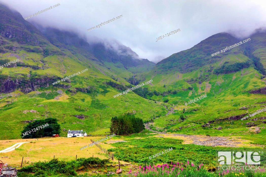 Stock Photo: Mountains in Glen Coe in the Scottish Highlands, Scotland.