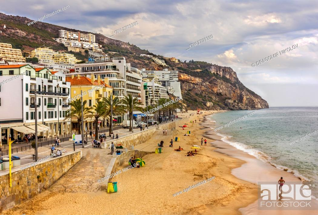 Photo de stock: Beach of Sesimbra. The town is situated in Portugal.