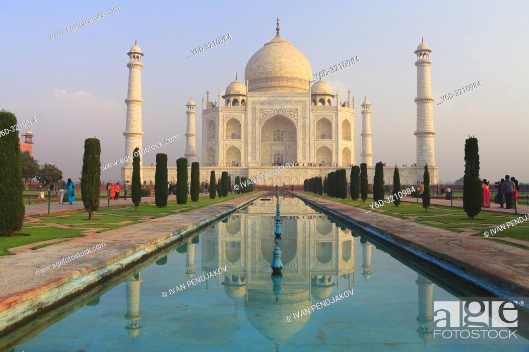Stock Photo: Taj Mahal at Sunrise, Uttar Pradesh, India.