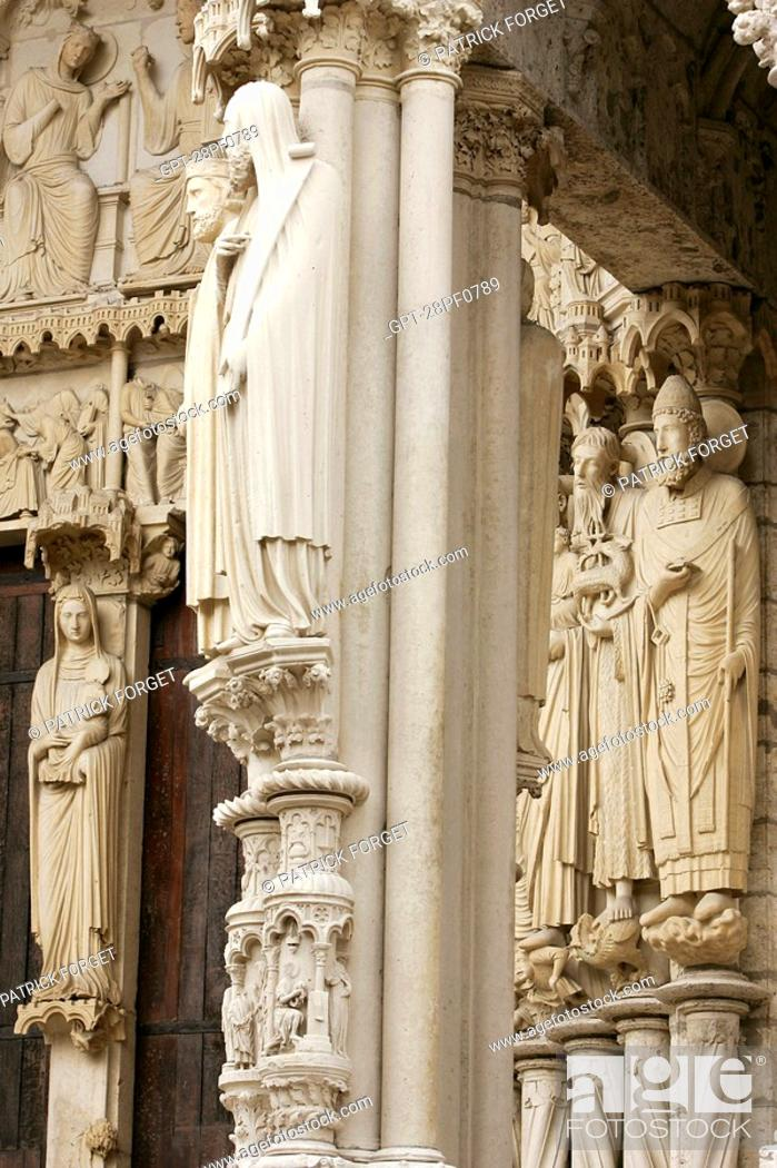 Imagen: DETAIL OF THE NORTH DOOR, CHARTRES CATHEDRAL, EURE-ET-LOIR 28, FRANCE.