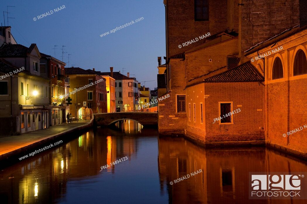 Imagen: Canal Vena, the town of Chioggia, port at the Laguna Veneta, province of Venice, Veneto, Italia.