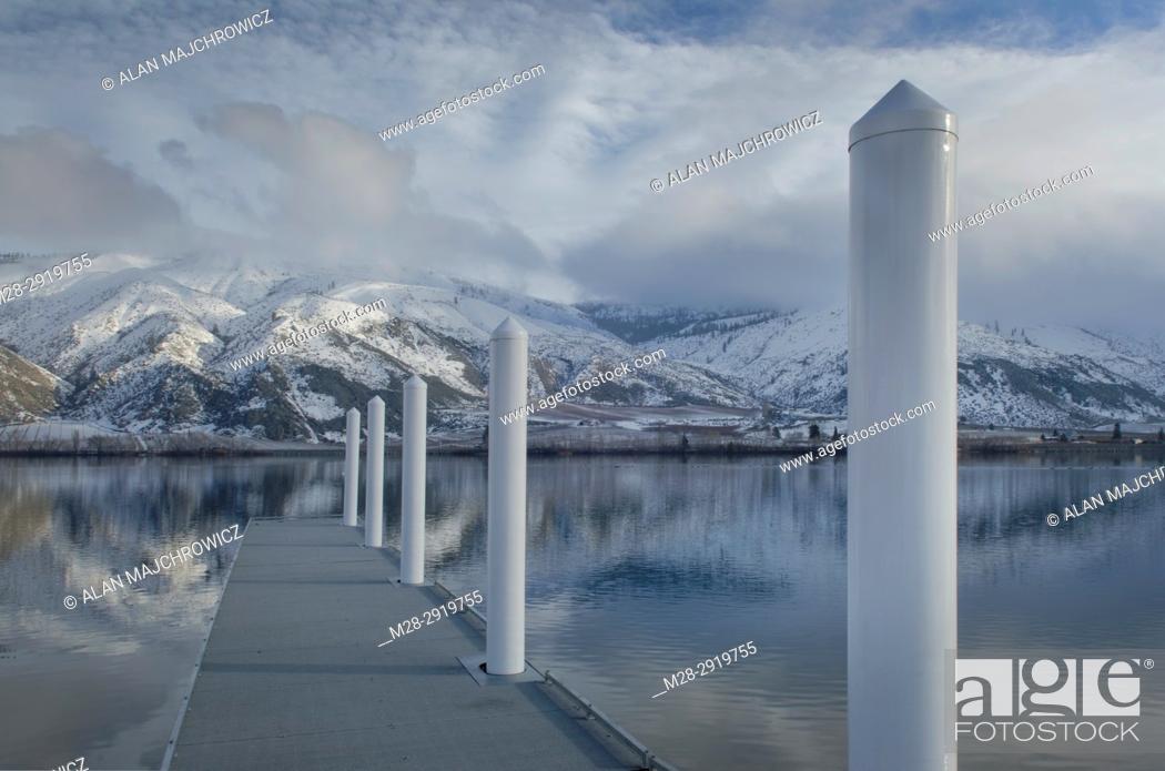 Stock Photo: Boat dock on Columbia River, Entiat Washington.