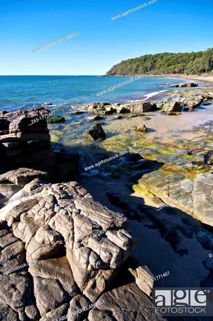 Imagen: Rocks at Noosa Heads, Noosa National Park, QLD, Australia.