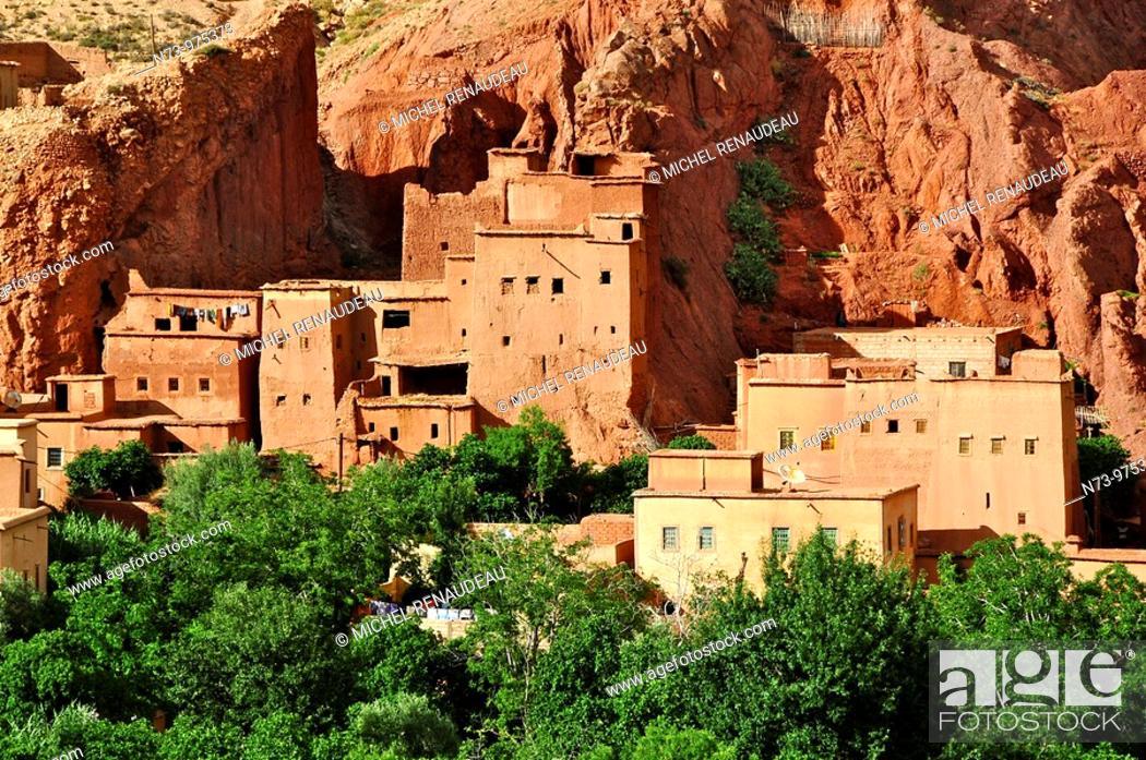Stock Photo: Maroc, Haut Atlas, la Vallée du Dadès, village d'Aït Youl.