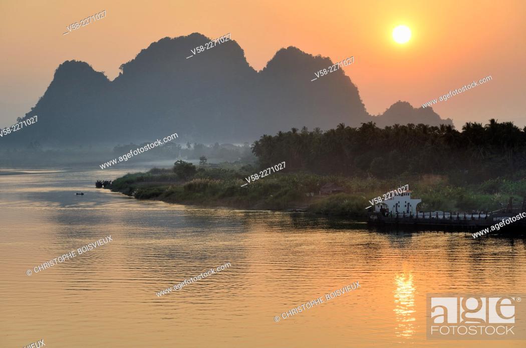 Stock Photo: Myanmar, Kayin (Karen) State, Hpa-An surroundings, Sunset on the Salween river.