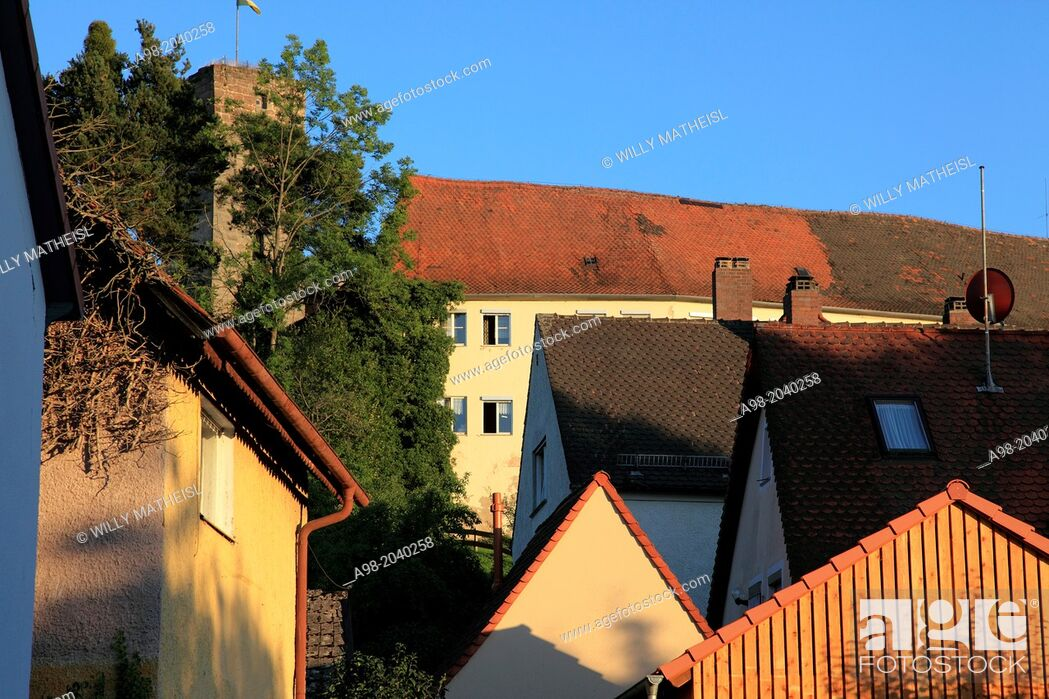 Imagen: town and castle in the city of Hilpoltstein, Middle Franconia, Franconia, Bavaria, Germany, Europe.
