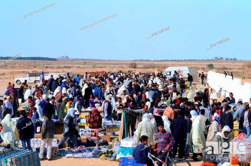 Stock Photo: Tunisia - The South - Tozeur Region - marketplace.