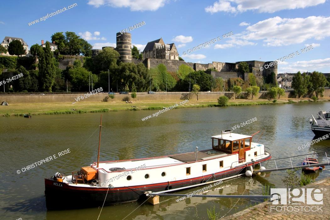 Stock Photo: Europe, France, Maine et Loire 49, Angers, river and Chateau d'Angers.