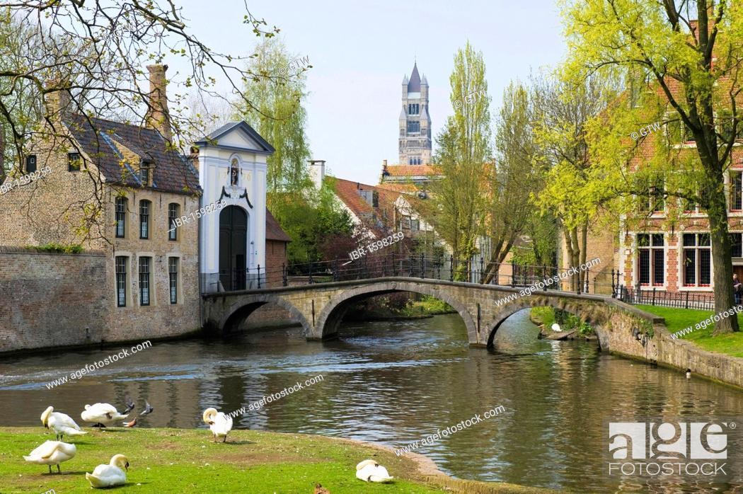 Stock Photo: Entrance of the Bruges Beguinage Ten Wijngaerde, Unesco World Heritage Site, historic centre of Bruges, Belgium, Europe.