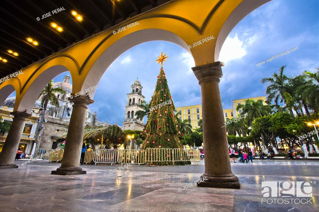 Stock Photo: Christmas tree and Christmas decorations, View of the Zocalo from the Town Hall or Municipal Palace of Veracruz, Palacio Municipal, Veracruz City.