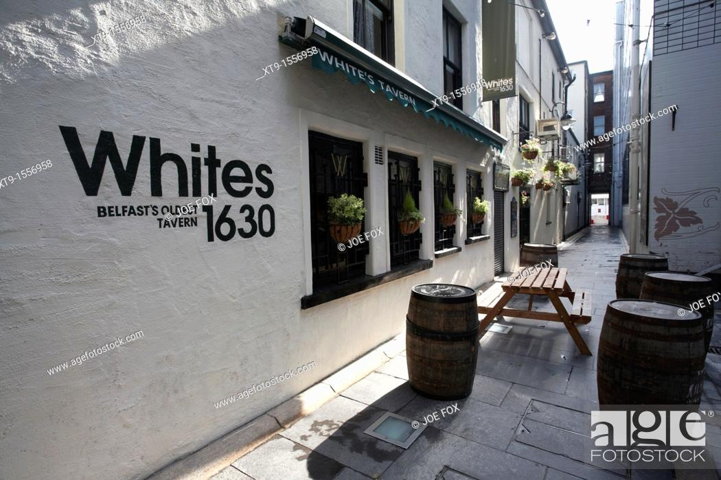 Stock Photo: Whites Tavern, Belfasts oldest tavern established in 1630, Winecellar Entry, Belfast city centre, Northern Ireland, UK.